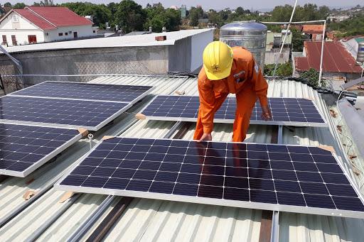 """Vừa """"vung tay"""" 40 triệu USD, đại gia Thái Lan tiếp tục chi 47 triệu USD để sở hữu dự án điện mặt trời ở Việt Nam"""